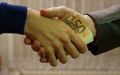 Comment devenir banquier et gagner aisément sa vie ?